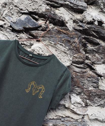 T-Shirt goldener Widder Detail