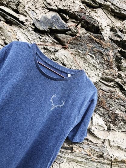 t-shirt-hirsch-blau