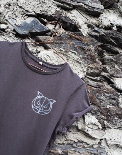 t-shirt-silber-eule-detail